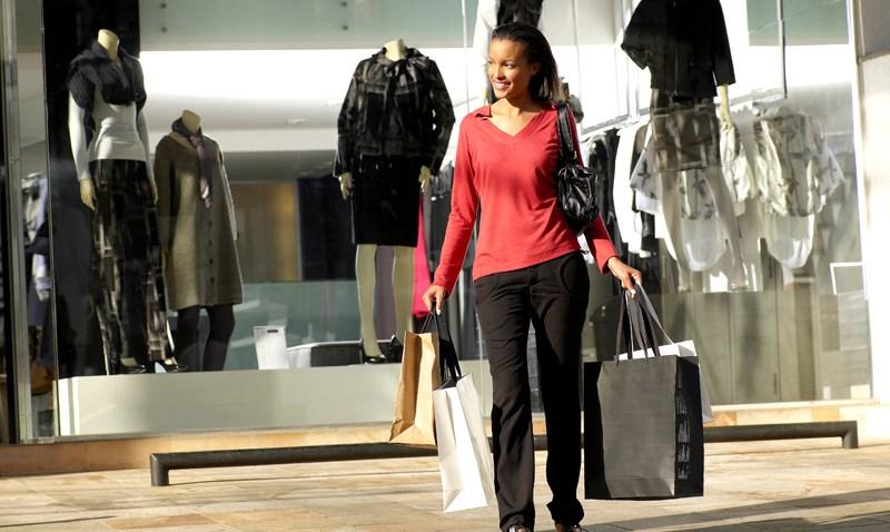 092908-Shopping-woman