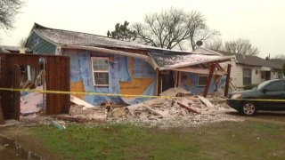 1-Foto-de-explosion-en-Dallas-vivienda-nina-menor-muerta-por-fuga-de-gas-destruccion