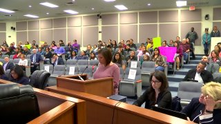 parents line up to talk to the fort worth school board