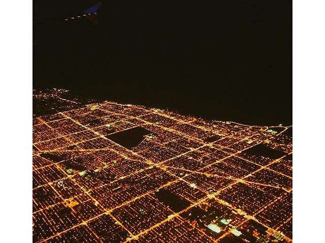 [chicagogram] Power Grid City #flippinchi #chicagogram #chicity #instachicago #flyinghigh #travelgram #lights #cityscape #chicagoshots #insta_chicago #windycityshots #choosechicago #enjoyillinois #artofchi #mychicagopix #yourchicago #city_shots #chic