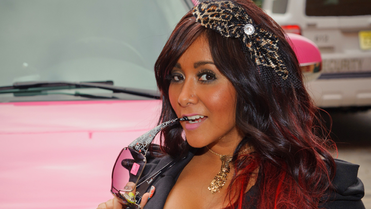 Snooki pink escalade book signing 722