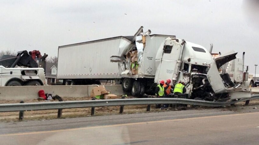18-wheeler-crash-021114