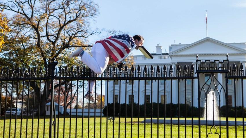 20151126 White House Jumper In Flight