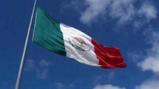 mexican-flag-filadelfia