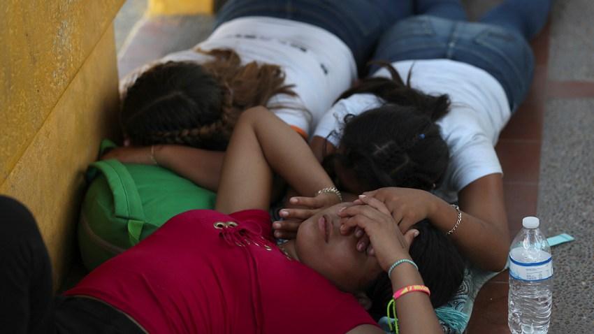Mexico Migrants Border Bridge