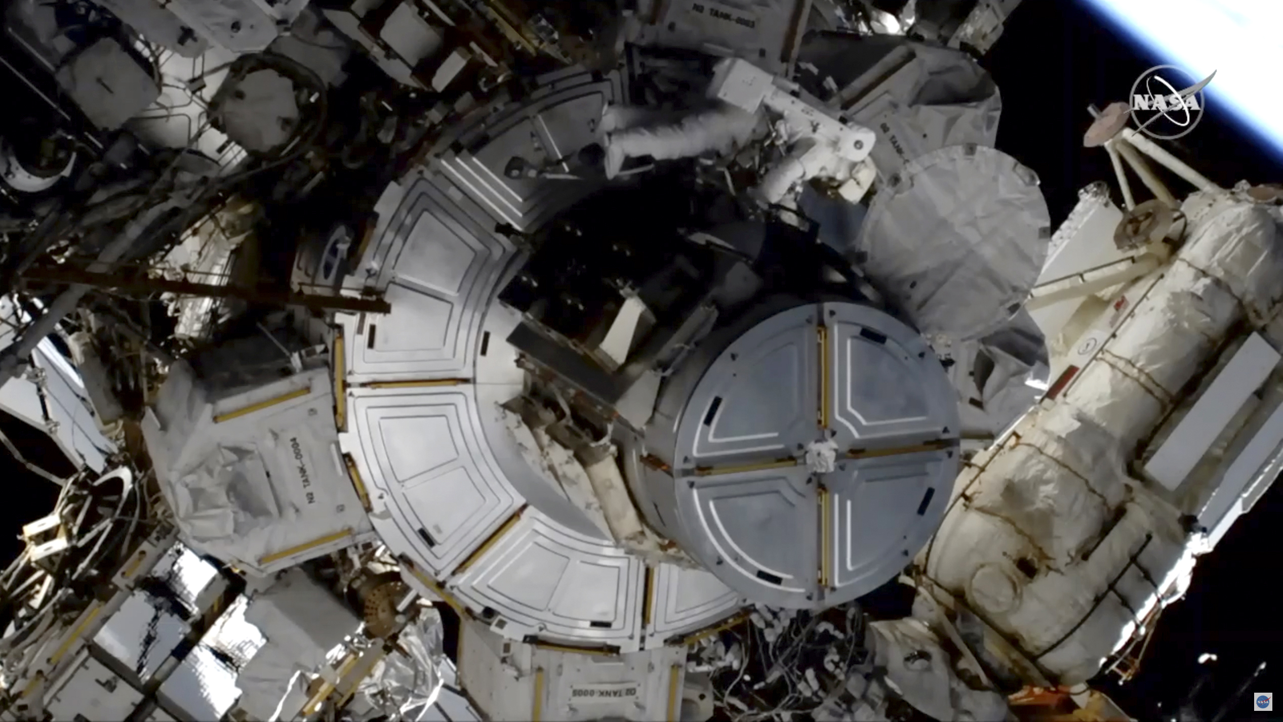 Astronaut Completes 2nd All-Female Spacewalk Without Helmet Camera, Lights