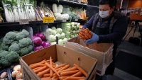 Why Health Experts Aren't Warning About Coronavirus in Food