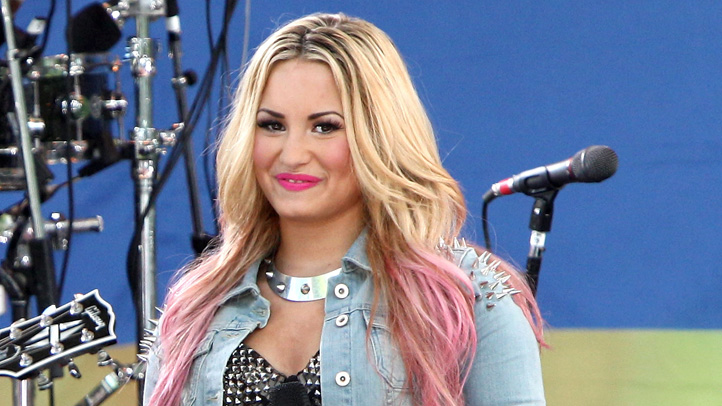 145506938PZ030_Demi_Lovato_