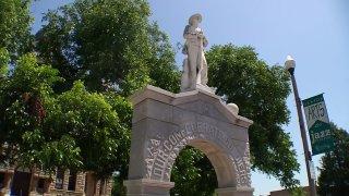 Denton confederate statue