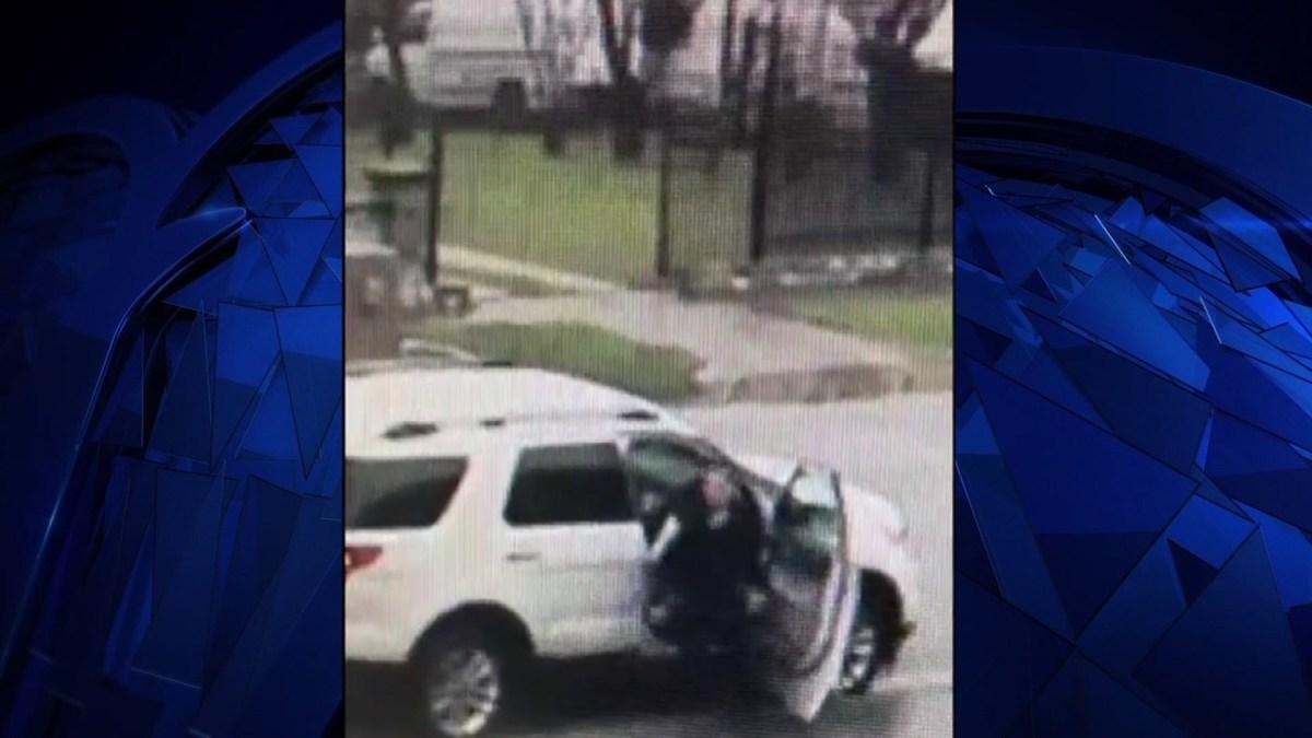 Man Gets in Woman's Car, Demands Money Outside Elementary School