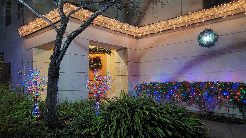 Christmas Lights Dallas 2020 People Are Putting Up Christmas Lights to Spread Cheer Amid the