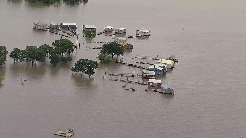 Grapevine-Lake-Boat-Docks--