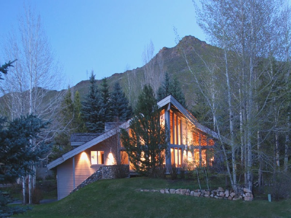 $895,000 for a Skier's Dream in Ketchum