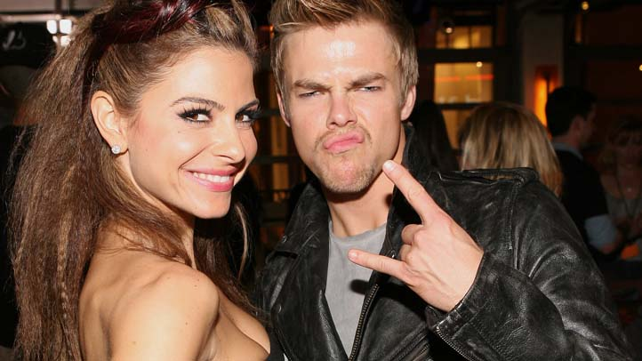 Maria Menounos Derek Hough kiss