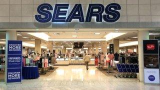 Sears-y-Kmart-dejan-de-vender-linea-de-Donald-Trump-en-internet
