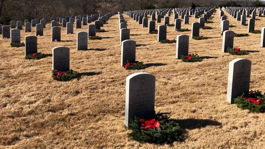 Wreaths-DFW-Cemetery