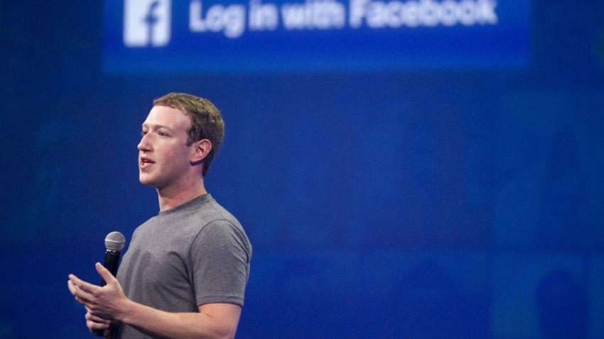 Zuckerberg-Robot-467503096