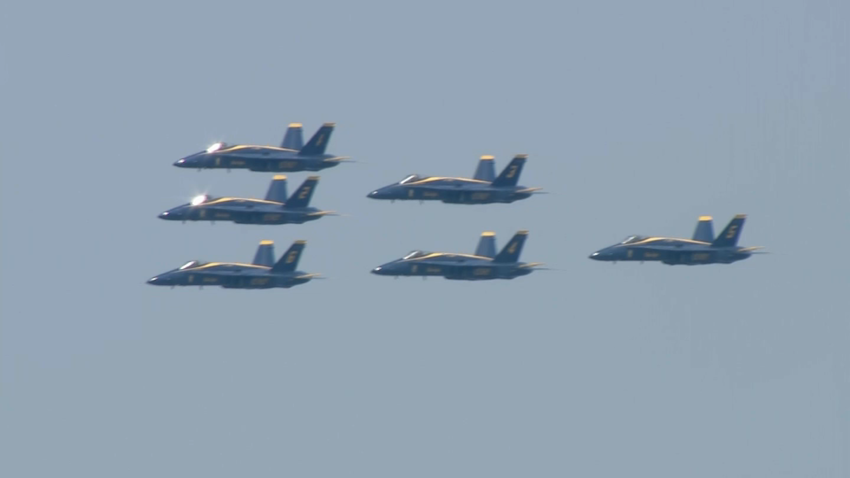 blue Angels fly over chicago