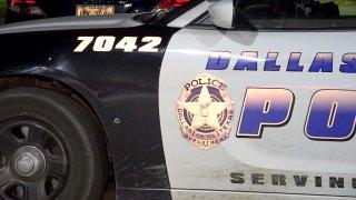 dallas-police-car-bullet-hole