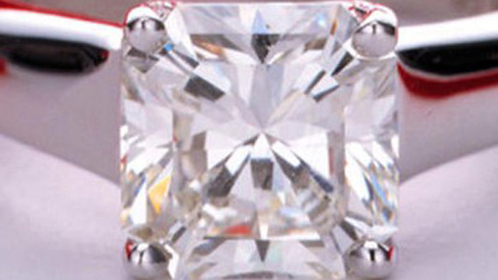 diamond-ring 722
