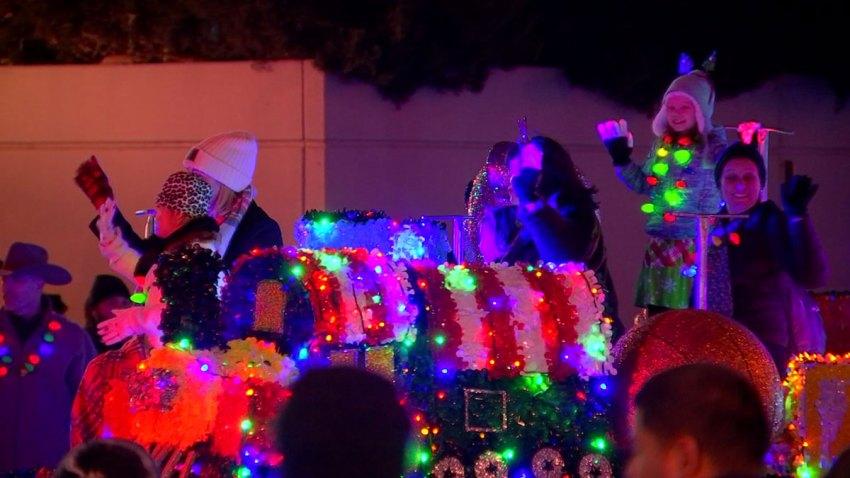 fort-worth-parade-of-lights-2018