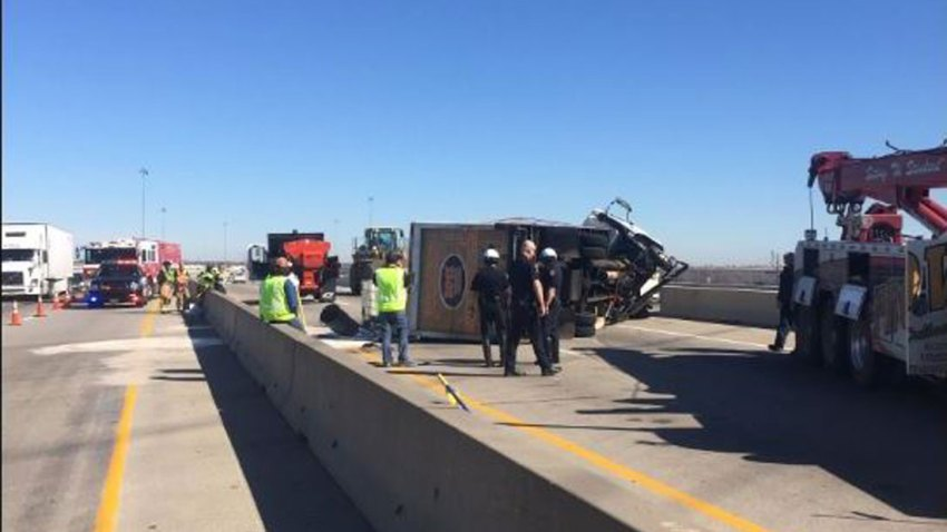 NB Lanes of Highway 121 in Grapevine Closed Due to Crash