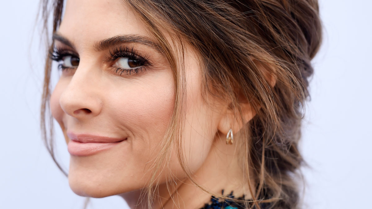 Maria Menounos Has Brain Tumor Removed, Will Depart E ...
