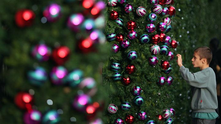 ornaments-kid-tree