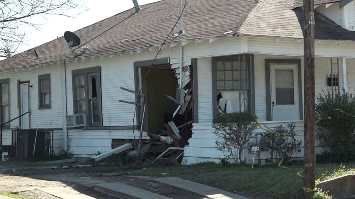 Driver Crashes into South Dallas House Injuring Man: Police
