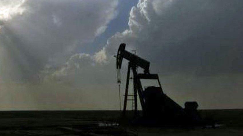 generic oil rig pump jack
