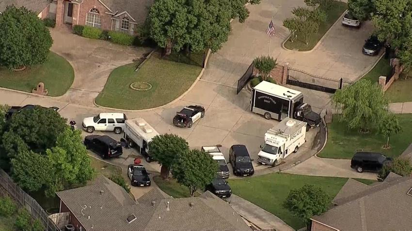 Police, SWAT Involved in Standoff in Mansfield