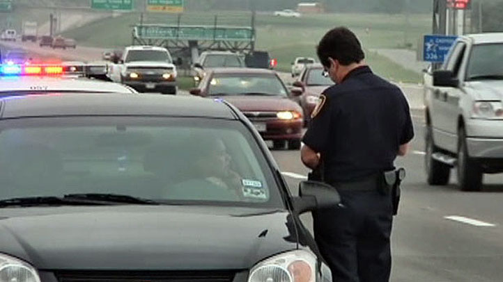 traffic-stop-cop-ticket-722