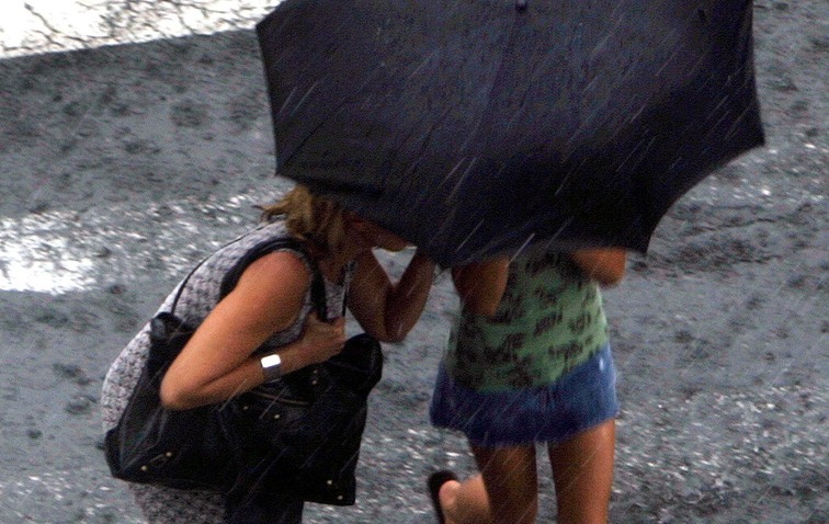 092508 umbrella thumb