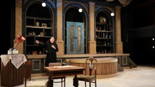 """Bob Hess in """"I Am My Own Wife"""" at WaterTower Theatre"""