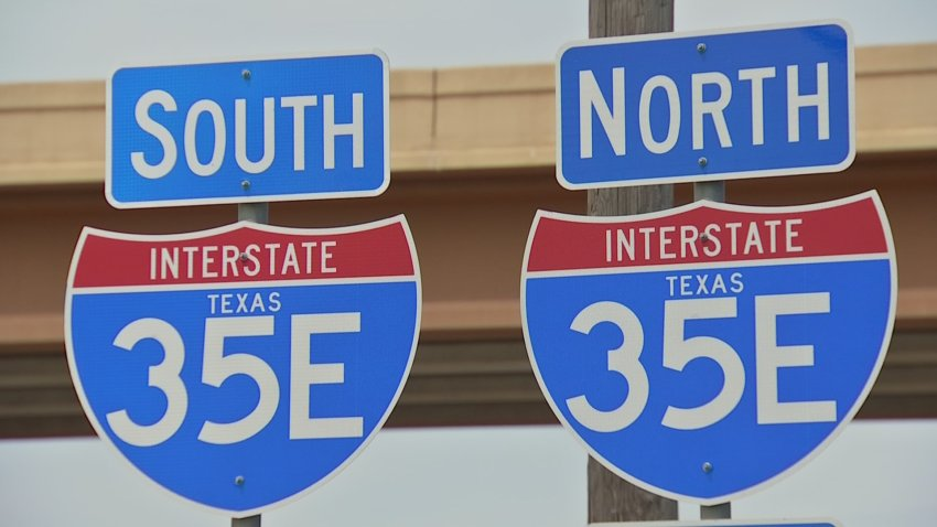 Picture of I-35E south and north signs