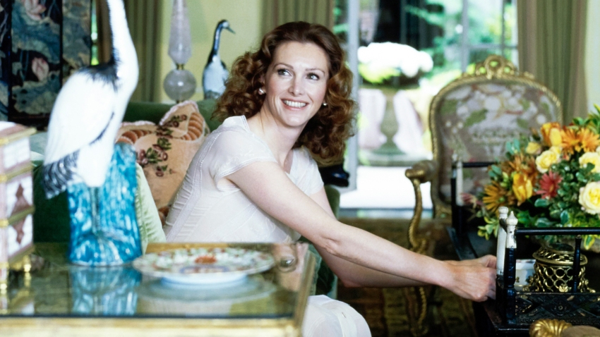 Ann Getty, designer and wife of Gordon Getty, sits in her San Francisco home in this 1977 photo.