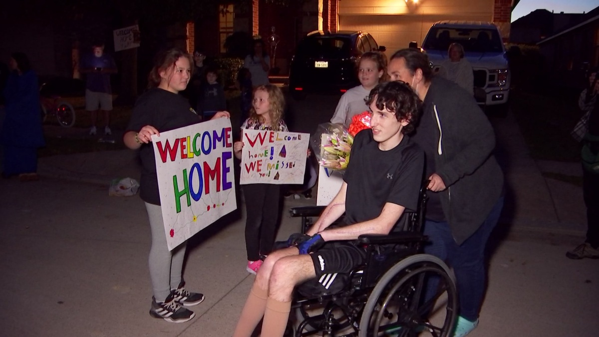Fort Worth Teen Struck By Lightning in Florida in July Arrives Home to Hero's Welcome