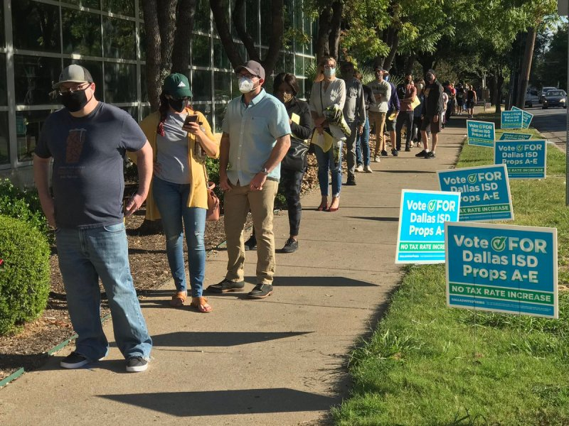 Early Voting Begins in North Texas