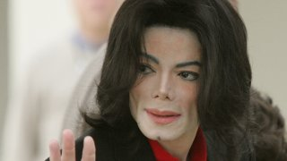 Michael Jackson waving