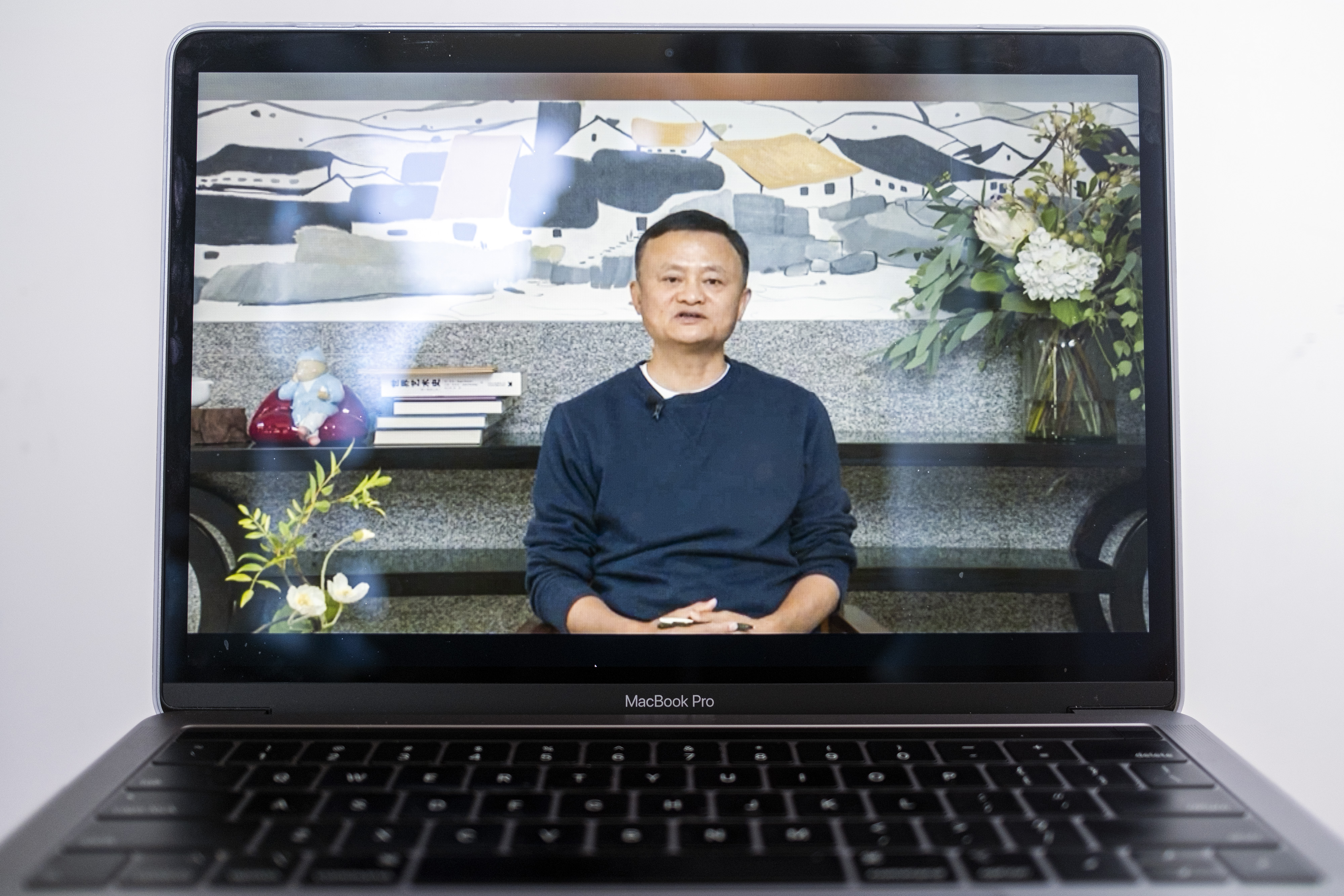 Jack Ma, Chinese E-Tycoon, Ends Silence With Online Video