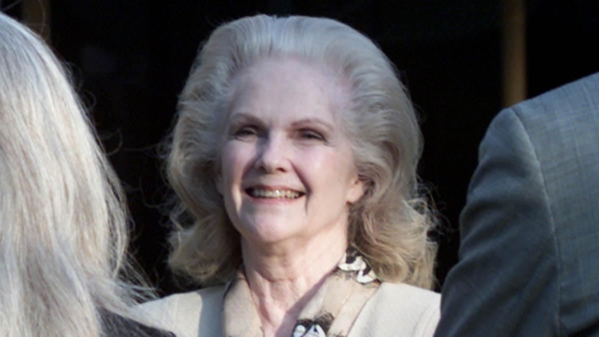 Alicia Landry, Wife of Longtime Cowboys Coach Tom Landry, Dies Thursday at 91