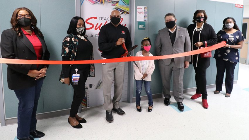 photo of ribbon cutting ceremony at Cedar Hill ISD