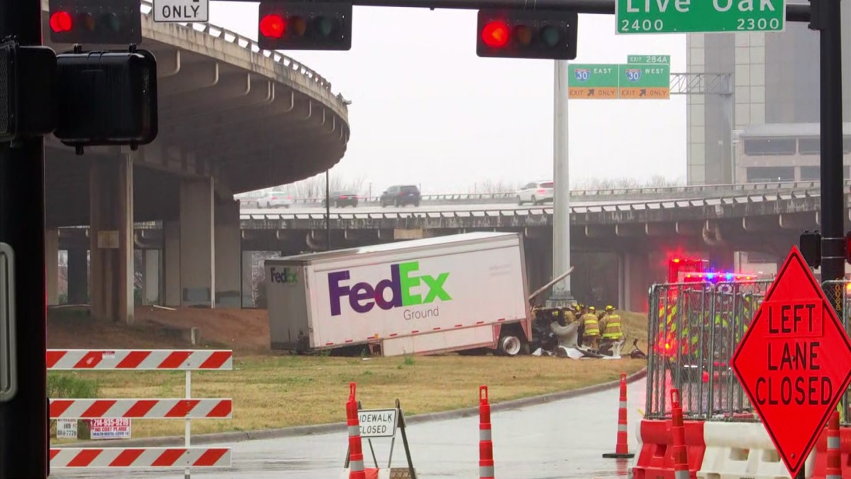 FedEx Driver Dies After Truck Plunges Off I-345 Near Downtown Dallas