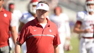 Head coach Bob Stoops of the Oklahoma Sooners before their game against the TCU Horned Frogs at Amon G. Carter Stadium on Oct. 1, 2016 in Fort Worth, Texas.
