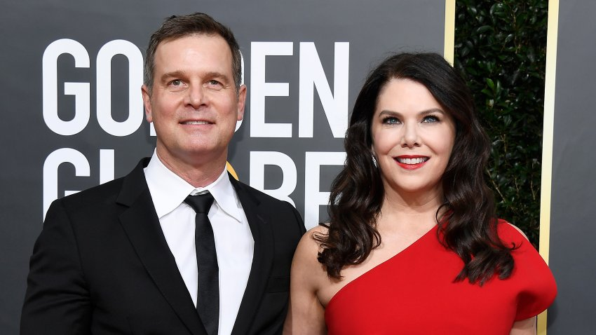 Lauren Graham (R) and Peter Krause