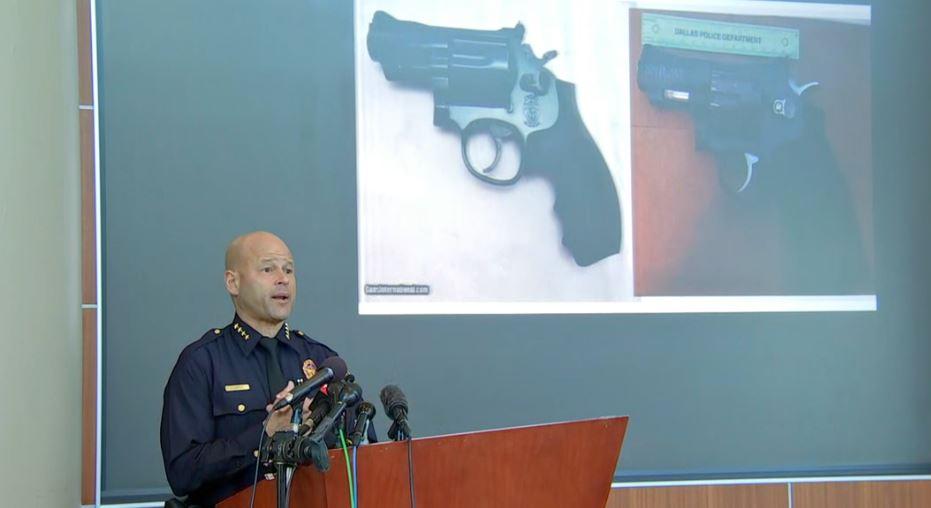 eddie garcia shows replica gun