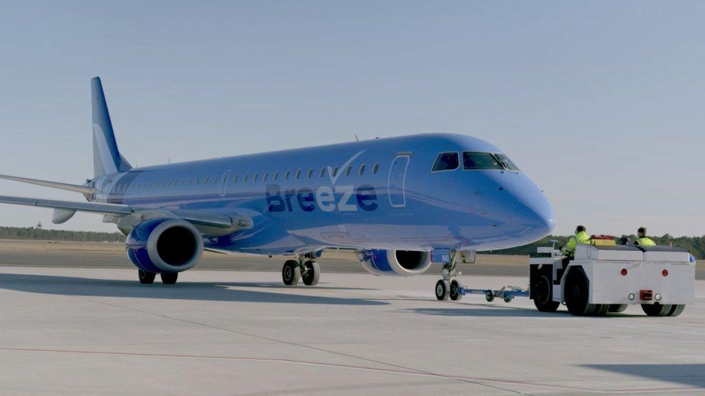 breeze airways jet