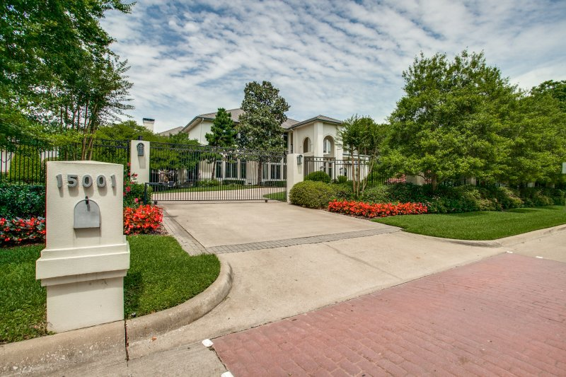 Emmitt Smith Lists Dallas Mansion for Sale at $2.2M