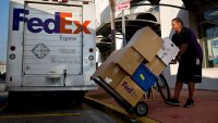 FedEx Encourages Early Holiday Shipping