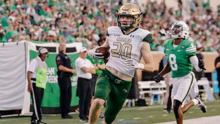 UAB Blazers tight end Gerrit Prince (20) scores a touchdown during the game between the North Texas Mean Green and the UAB Blazers on Sept. 18, 2021 at Apogee Stadium in Denton, Texas.